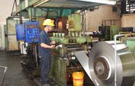 揭秘:鑫发不锈钢带生产设备之<<四辊冷轧机>>