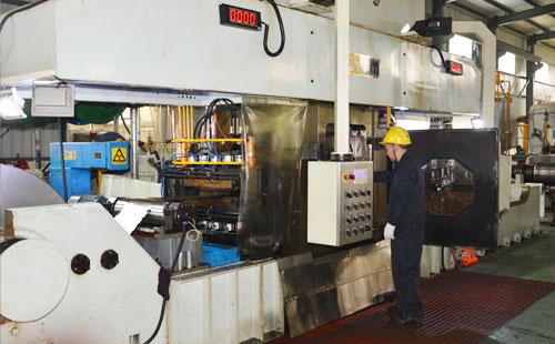 揭秘:鑫发不锈钢带生产设备之<<森吉米尔20辊轧机>>