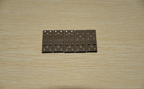 USB3.0专用不锈钢带制作端子